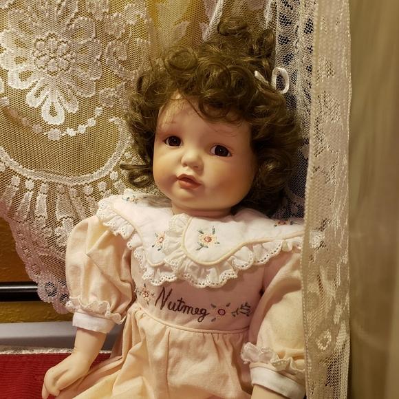 Vtg Nutmeg Porcelain Brunette Seated Girl Doll